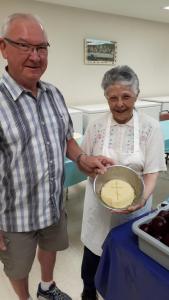 making borsh Eileen Yewchuk and Mike Krill